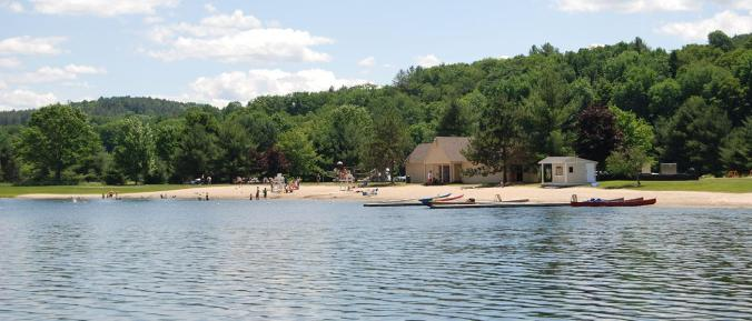 Lake Pinneo is also part of Quechee Club, featuring barbecue grills, a playground, aquatic rentals, lifeguard, and restroom facilities.